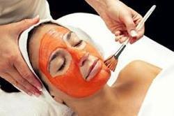 सिर्फ 10 मिनट में आएगा चेहरे पर ग्लो, अपनाएं ये सस्ता और असरदार नुस्खा!