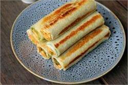सिर्फ 5 मिनट में बनाएं Paneer Bread Roll