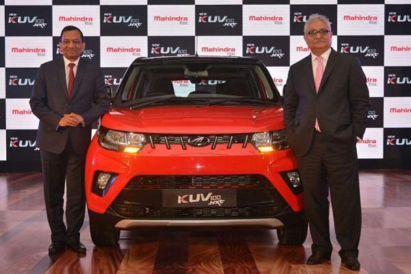 महिंद्रा की नई KUV100 NXT फेसलिफ्ट कार भारत में हुई लांच