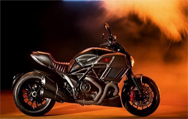 Ducati Diavel लिमिटेड एडिशन बाइक की डिलीवरी भारत में हुई शुरू
