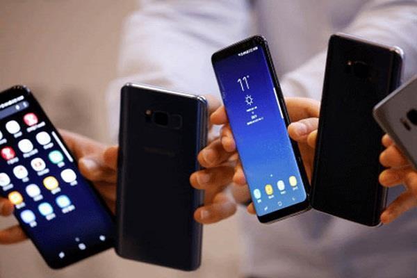 25,000 रुपए से भी कम कीमत में मिल रहे हैं ये बेहतरीन स्मार्टफोन्स