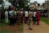खेत को लेकर 2 परिवारों के बीच फायरिंग, एक की मौत, 4 जख्मी