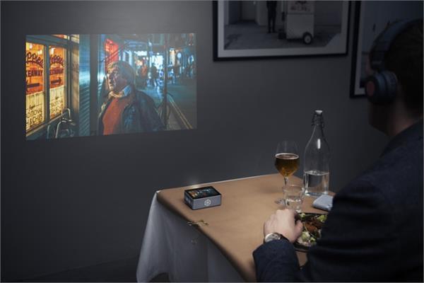 स्मार्टफोन की वीडियो दीवार पर शो करेगा यह पॉकेट स्मार्ट प्रोजैक्टर