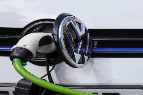 शैल यूरोप में लगाएगी 80 हाई पावर इलैक्ट्रिक व्हीकल चार्जिंग स्टेशन्स