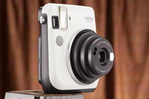 खास फीचर्स से लैस है ये इंस्टैंट कैमरे, कीमत 4,000 रुपए से शुरु