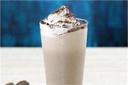 बच्चों को बनाकर दें Oreo Ice Cream Shake