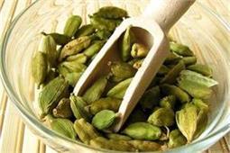 रोजाना खाएं हरी इलायची, जानें इसके फायदे