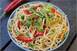 घर पर बनाकर खाएं टेस्टी-टेस्टी Chilli Garlic Noodles