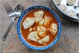 सर्दियों में ले गर्मा-गर्म Paneer Momos Soup का मजा