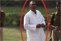 भरी महफिल से सपा नेता शिवदेव यादव को पुलिस ने किया गिरफ्तार, जानिए क्या है मामला