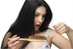 सिर्फ 4 दिन में ही कम हो जाएगा बालों का झड़ना, अपनाएं ये नुस्खें!