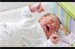 Newborn बेबी के पेट में दर्द होने का कारण बनती हैं ये वजहें