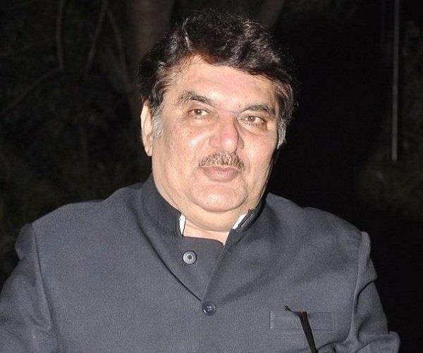 'पद्मावती' पर चल रहे विरोध के बीच संजय लीला के समर्थन में उतरे अभिनेता रजा मुराद