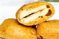 सर्दियाें के माैसम में बनाएं गर्मा-गर्म Cheesy Pakoda