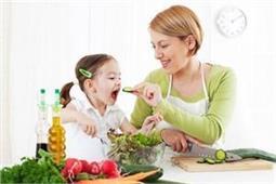 बच्चे काे नहीं लग रही भूख, कहीं अाप ताे नहीं इसके जिम्मेदार?