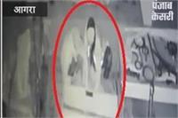 रकाबगंज गुरुद्वारे में हुई चोरी, CCTV कैमरे में कैद हुए चोर