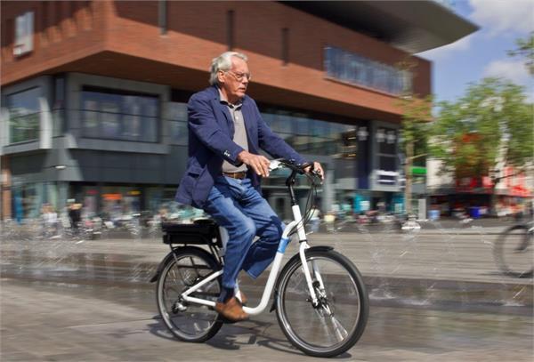 बुजुर्गों के लिए बनाया गया पहला ई-बाइक
