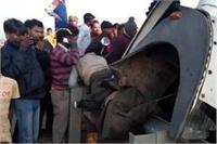 2 ट्रकों की सीधी टक्कर से 4 लोगों की दर्दनाक मौत, आधा दर्जन घायल