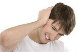 कान के दर्द से छुटकारा दिलाएंगे ये असरदार नुस्खे