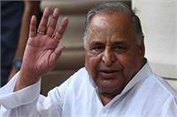 PM मोदी पर 'नीच' टिप्पणी के लिए अय्यर को निष्कासित करे कांग्रेस: मुलायम