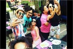 गोवा में भारती और हर्ष ने रखी 'पूल पार्टी', मस्ती के मूड में दिखें कई टीवी स्टार्स