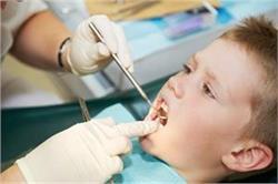बच्चों के दांतों में लग जाए कीड़ा तो करें ये घरेलू उपचार