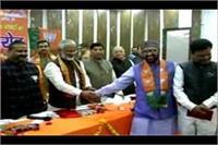 UP के परिवहन मंत्री ने आगरा के नए मेयर और पार्षदों को किया सम्मानित