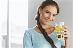 सुबह खाली पेट करें नींबू पानी का सेवन, मिलेंगे कई फायदे