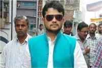 गौरव के दोस्त पर हत्या का आरोप, माफिया मुन्ना बजरंगी का करीबी
