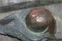 जमीन से निकला हजारों साल पुराना शिवलिंग, कौरव-पांडव युद्ध के मिले सबूत