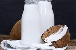 बच्चों को बनाकर पिलाएं टेस्टी एंड हेल्दी Coconut Milk