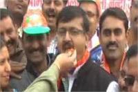 BJP की शानदार जीत पर इलाहाबाद मेयर अभिलाषा ने मनाया जश्न