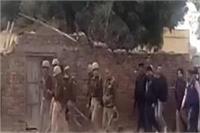 पुलिस और बदमाशों के बीच ताबड़तोड़ फायरिंग में सिपाही को लगी गोली, हालत गंभीर