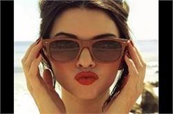 इन स्टाइलिश चश्मों से दें खुद को स्मार्ट लुक