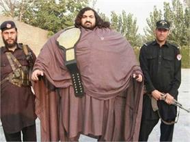इस ''पाकिस्तानी हल्क'' का वजन है 435 किलो और खाता है सिर्फ ये...