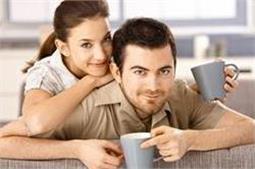 मां बनने के बाद पति के साथ बनाएं रखें रोमांस