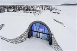 तस्वीरों में देेखें, बर्फ से बना यह खूबसूरत होटल