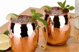 कई बीमारियों की एक दवा है, तांबे के बर्तन में पानी पीना