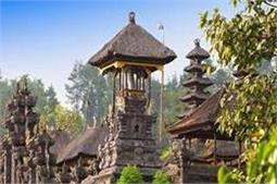 किसी आइलैंड की तरह दिखता है यह हिंदू मंदिर