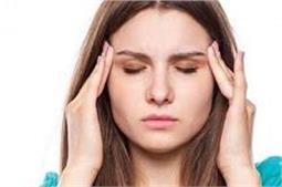 दवाइयों से नहीं, घरेलू तरीकों से करें सिर दर्द को खत्मा!