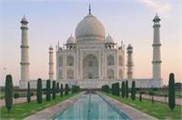 ताजमहल की सुरक्षा में सेंध, उड़ा ड्रोन