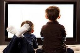बच्चा देखता है सारा दिन टीवी तो ऐसे करें कंट्रोल