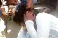 छात्रा को छेडऩा मजनू को पड़ा महंगा, हुई जमकर पिटाई
