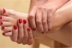 पैर की मोच को चुटकियों में सही करते हैं ये घरेलू उपचार