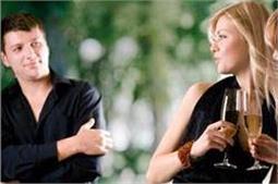 ये बाते बताती है कि गर्लफ्रैंड शादी से भाग रही है दूर