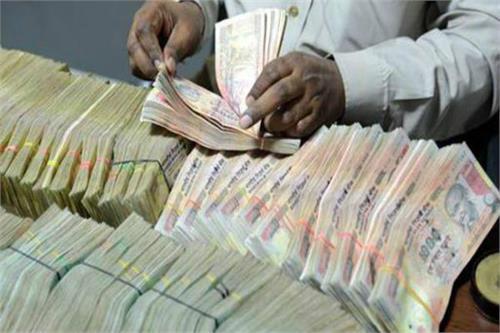 देश में केवल 76 लाख भारतीय अपनी आय 5 लाख रुपए से अधिक दिखाते