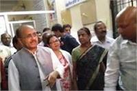 योगी के मंत्री भी अब एक्शन में, अस्पताल का औचक निरीक्षण कर डॉक्टर को किया सस्पेंड
