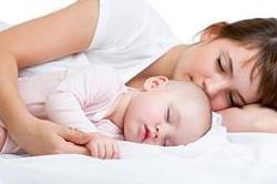 बिना परेशान हुए ऐसे सुलाएं बेबी को पूरी रात