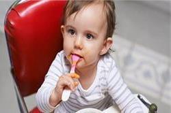 कहीं आप तो नहीं दे रहे 1 साल के बच्चे को नमक और चीनी?