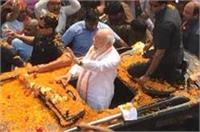 रोड शो के दौरान प्रधानमंत्री ने की विश्वनाथ और काल भैरव मंदिर में पूजा अर्चना